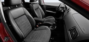 foto copri sedili in pelle automobile