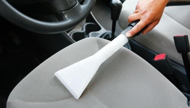 foto prodotti per pulizia interni auto automobile