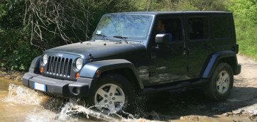 immagine automobile jeep wrangler-3p