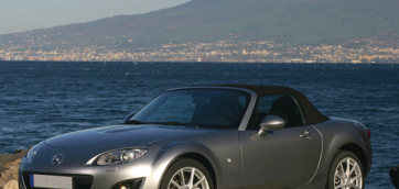 immagine automobile mazda mx-5-spider-2005