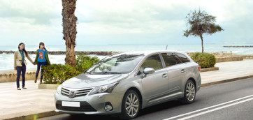 immagine automobile toyota avensis-station