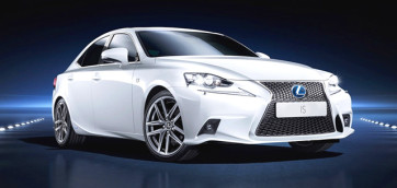 immagine automobile lexus is