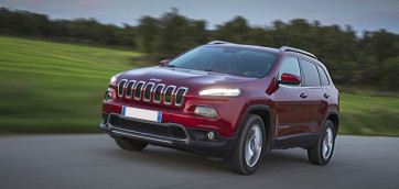 immagine automobile jeep cherokee