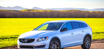 immagine automobile volvo v60-c-country