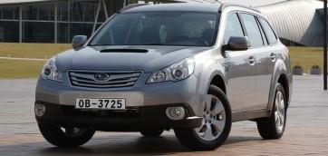 immagine automobile subaru outback-2009
